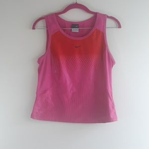 Nike Ladies Crop Top Size Small